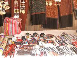 Compra de artesanía en Taller de Artesanos Maroti Shobo