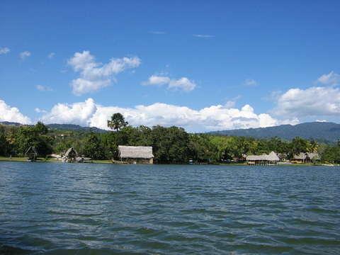 Tour en Laguna Azul y Catarata Ahuashiyacu